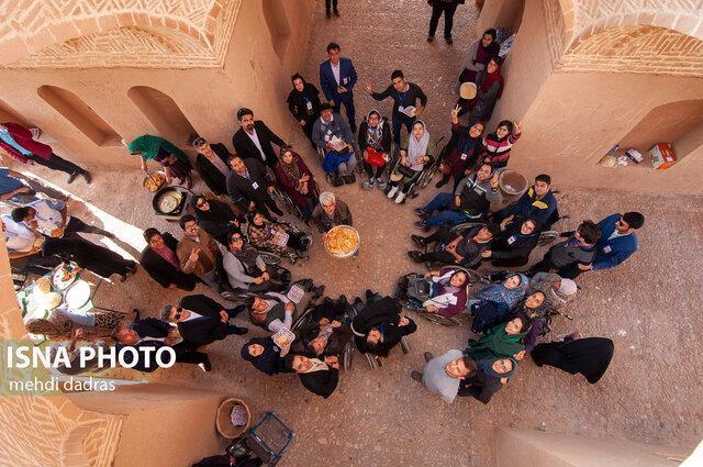 بازدید معلولین از بناهای تاریخی برای اولین بار در جشنواره معلولین یزد