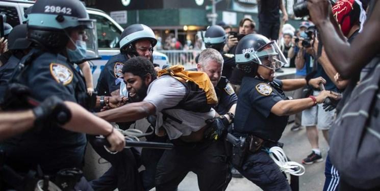 پلیس لس آنجلس: از ابتدای اعتراضات 2700 نفر بازداشت شدند