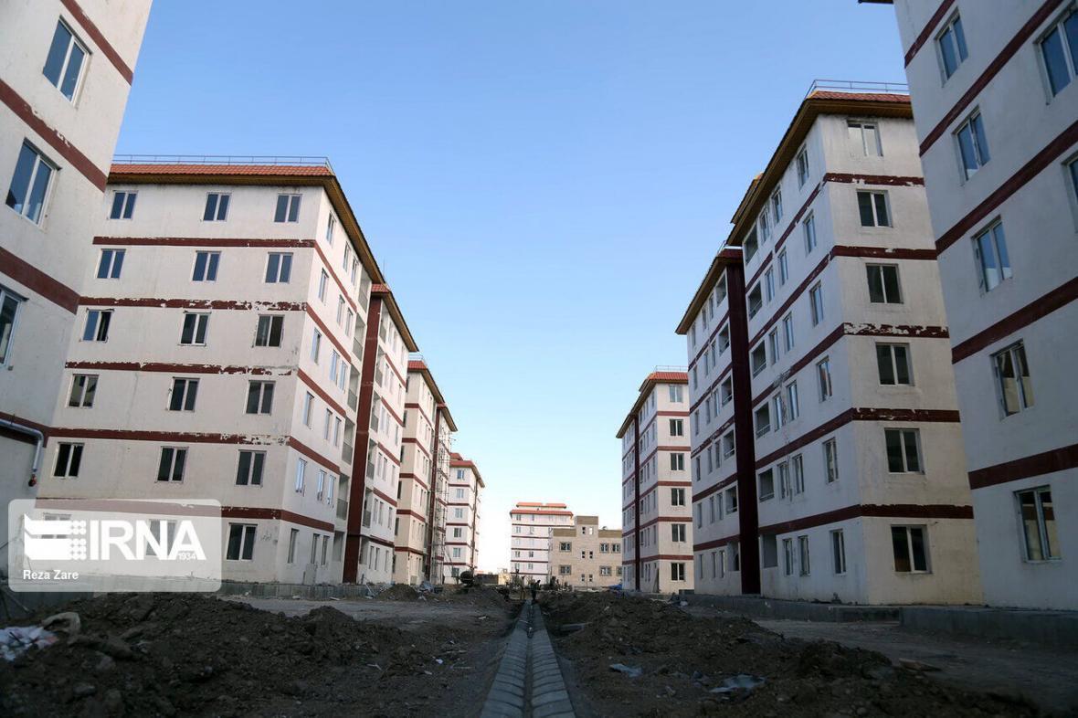 خبرنگاران راه و شهرسازی کامیاران 150 قطعه زمین مسکونی را واگذار کرد