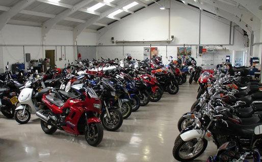 قیمت موتورسیکلت صفر کیلومتر در بازار چند؟