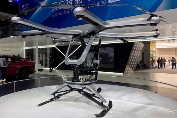 نمونه اولیه خودروی پرنده چینی رونمایی شد