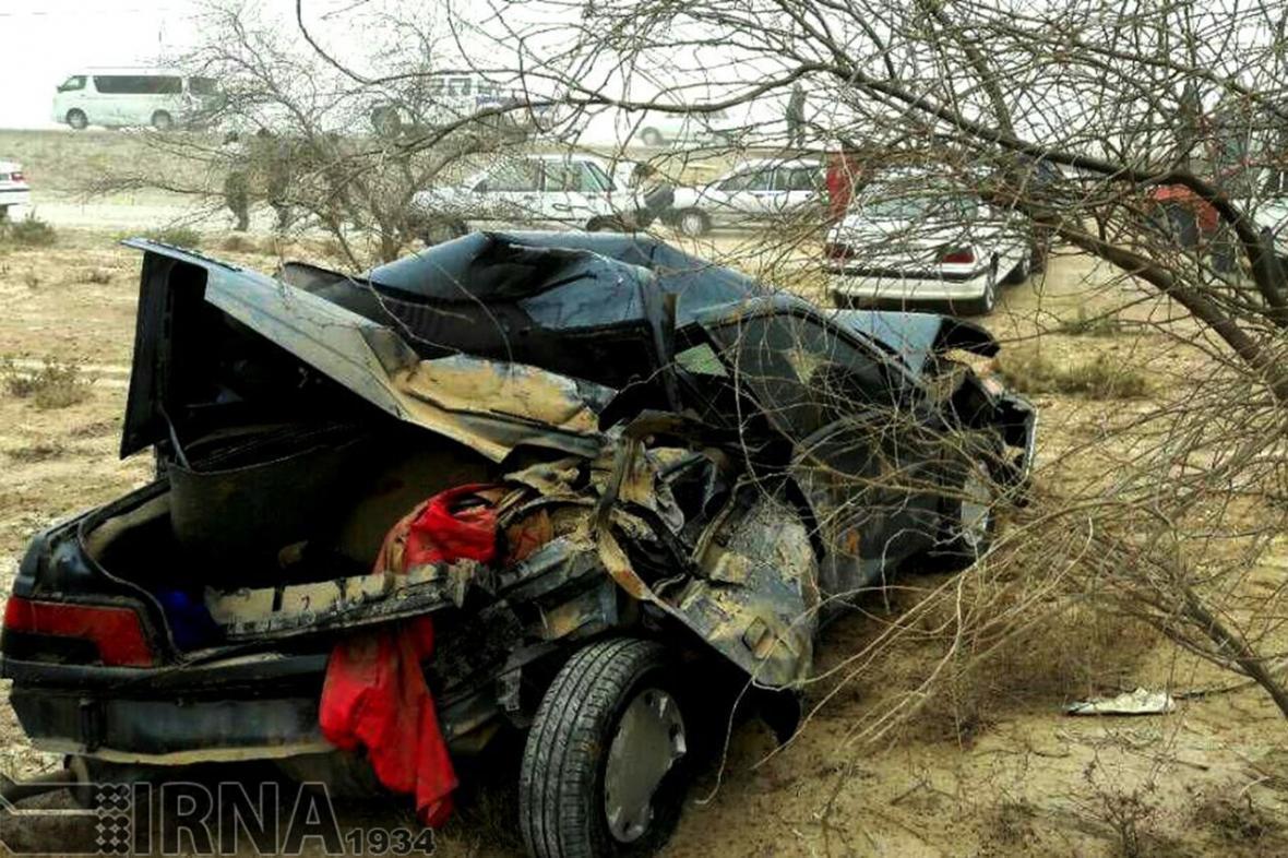 خبرنگاران واژگونی پژو در جاده دهگلان به قروه یک کشته و پنج مصدوم برجا گذاشت