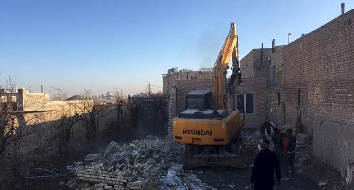 تخریب 8 خانه باغ و برطرف تصرف در حریم محوطه باستانی سیلک کاشان