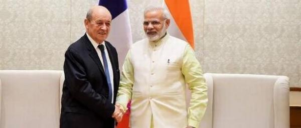 خبرنگاران وزیر امورخارجه فرانسه وارد هند شد
