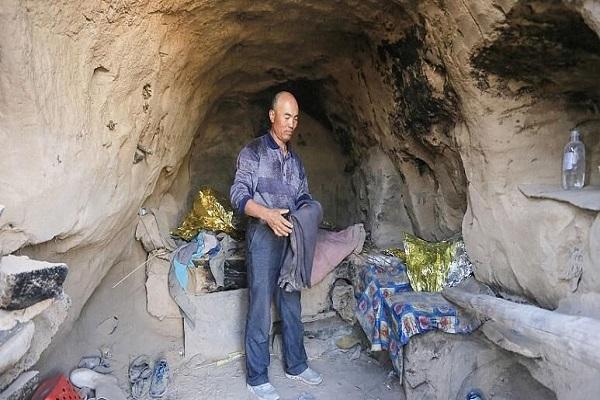 چوپان چینی جان 6 دونده کوهستان را نجات داد